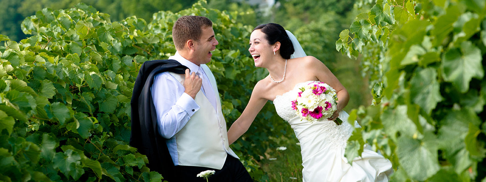 Wedding Photographer in Horseheads, Elmira, Corning, Watkins Glenn and Ithaca NY. The Finger ...